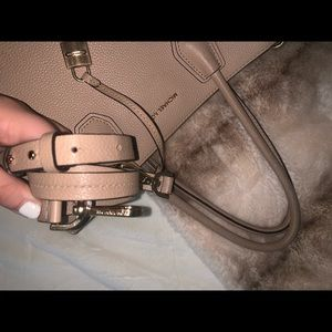 AUTHENTIC MK BAG, CREAM/NUDE (strap included)